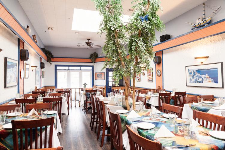 maria's taverna dining room